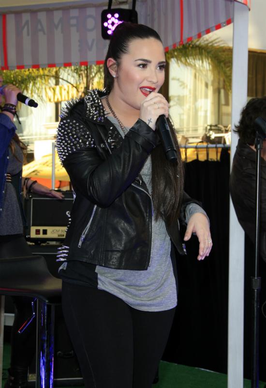 Disneya Demi Lovato pokazała szokujące zdjęcia sprzed terapii! Ujawniła...