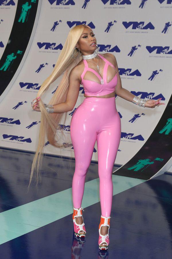 Nicki Minaj prowokuje i oburza swoich obserwatorów chwaląc się ceną chokera