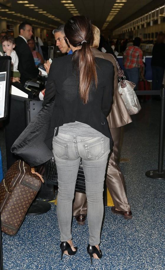 Kim Kardashian w asymetrycznej marynarce