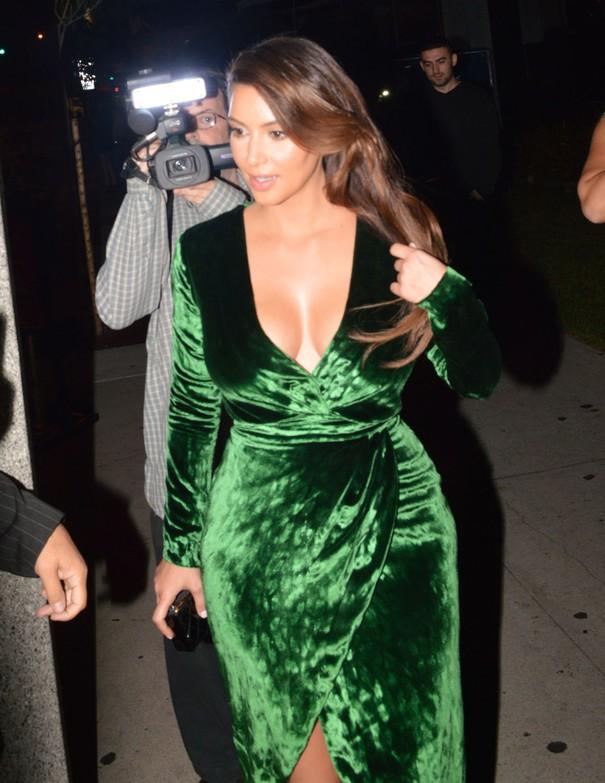 Kim Kardashian w zielonej sukience