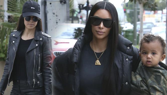 Ten moment, kiedy Kim Kardashian wygląda tysiąc razy gorzej od Kourt