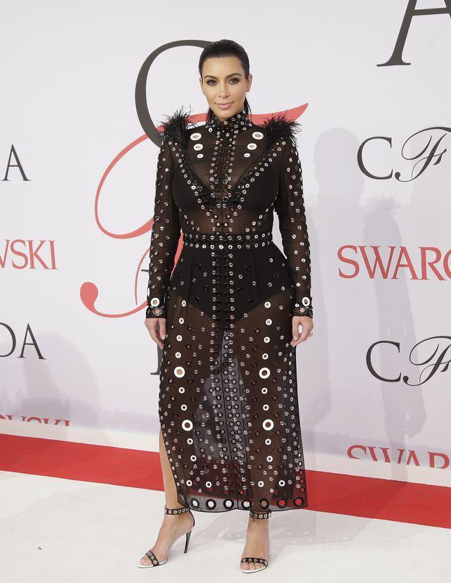 6 ulubionych kreacji Kim Kardashian z czerwonego dywanu 2015