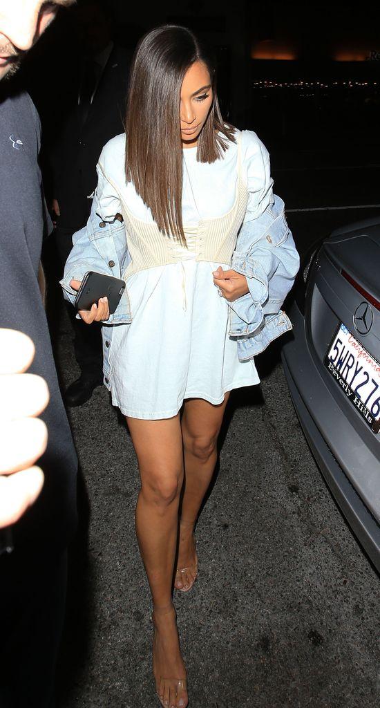 Było kilka udanych styliacji, a teraz Kim Kardashian prezentuje TO...
