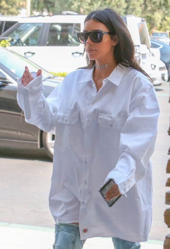 A cóż to się stało, że Kim Kardashian założyła na siebie... TO?! (FOTO)