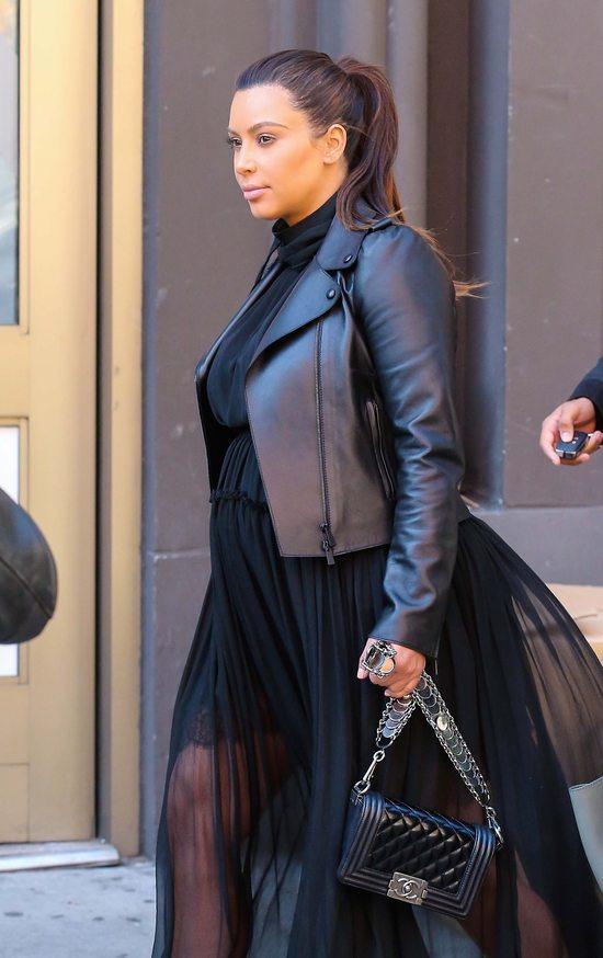 Kim Kardashian w prześwitach (FOTO)