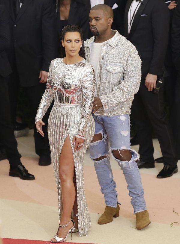 To nie peruka... Kim Kardashian znowu jest BLONDYNKĄ! (FOTO)