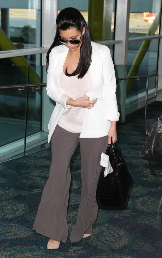 Kim Kardashian w ciąży stawia na luz (FOTO)