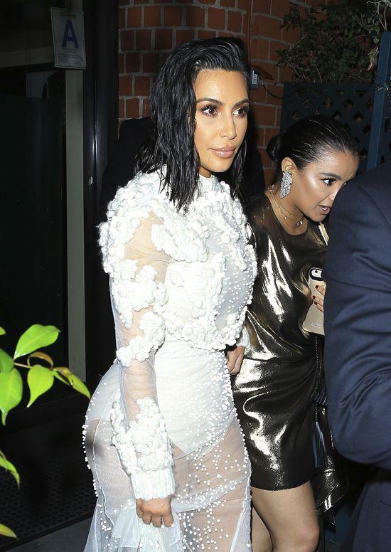 Kim Kardashian popełnia dwa błędy - niepotrzebnie tłumaczy się z cellulitiu i...