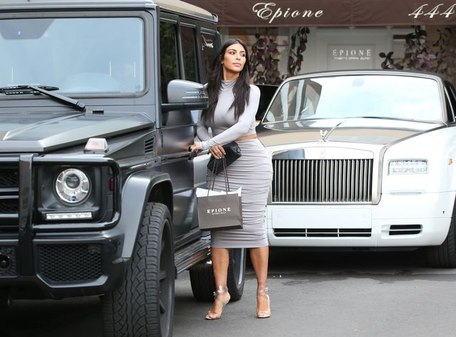 Kim Kardashian zaczyna nudzi stylem? (FOTO)