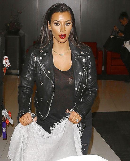 Czy Kim Kardashian zwolniła makijażystę? (FOTO)