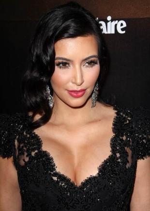 Sekret brzoskwiniowej cery Kim Kardashian?