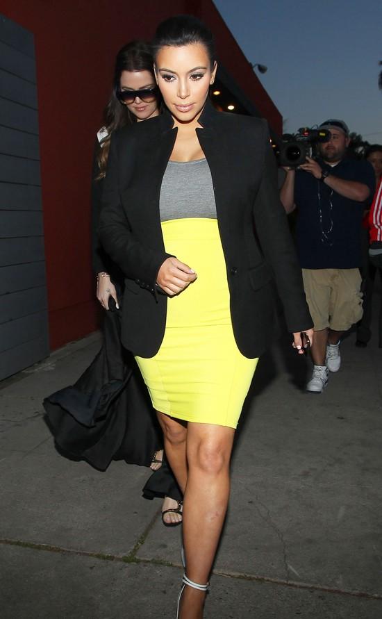 Trzy ciążowe stylizacje Kim Kardashian (FOTO)