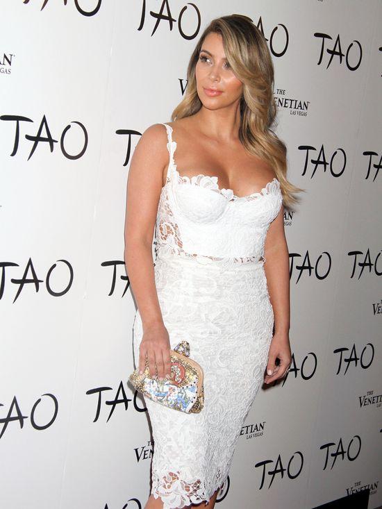 Oto pierwszy projekt sukni ślubnej Kim Kardashian (FOTO)