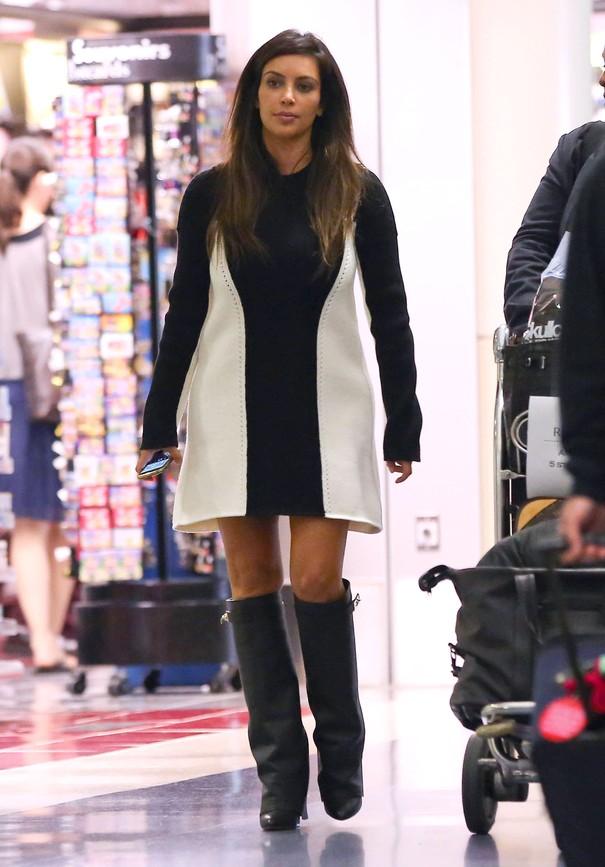 Kim Kardashian  w kozakach Givenchy