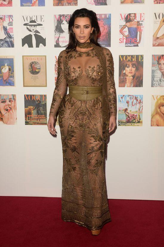 Oliwkowe koronki nie służą Kim Kardashian (FOTO)