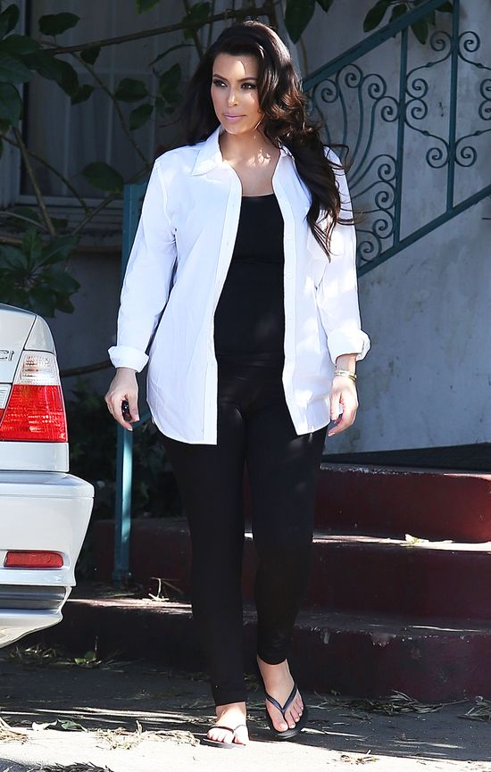 Kolejna porcja ciążowych stylizacji Kim Kardashian (FOTO)