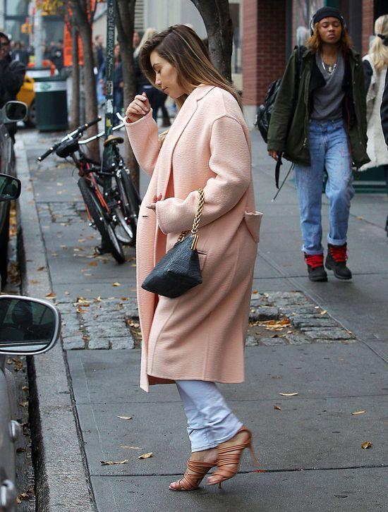 Kim Kardashian zakochana w... płaszczach Celine (FOTO)