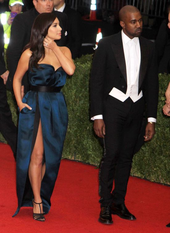 Tak prezentowała się Kim Kardashian na Gali Met (FOTO)