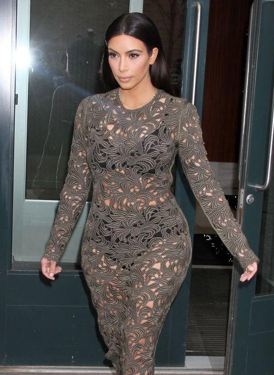 Stylizacje Kim Kardashian - celebrytka kocha żakiet Balmain!