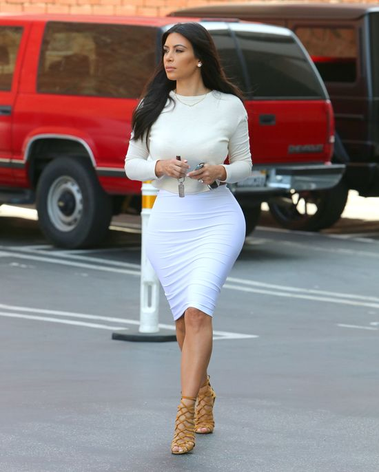 Kim Kardashian w swoim klasycznym wydaniu (FOTO)