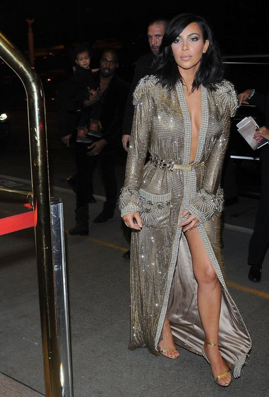 Centymetry dzieliły Kim Kardashian od sporej modowej wpadki