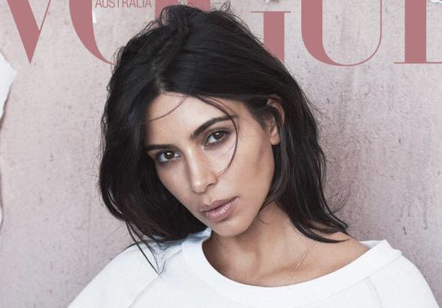 Tak naturalnie pięknej Kim Kardashian nie widziałyście już dawno!