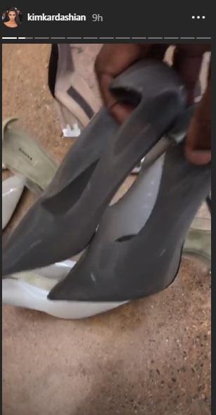 Kim Kardashian pokazała nowe szpilki YEEZY. I tak, nadal są plastikowe!