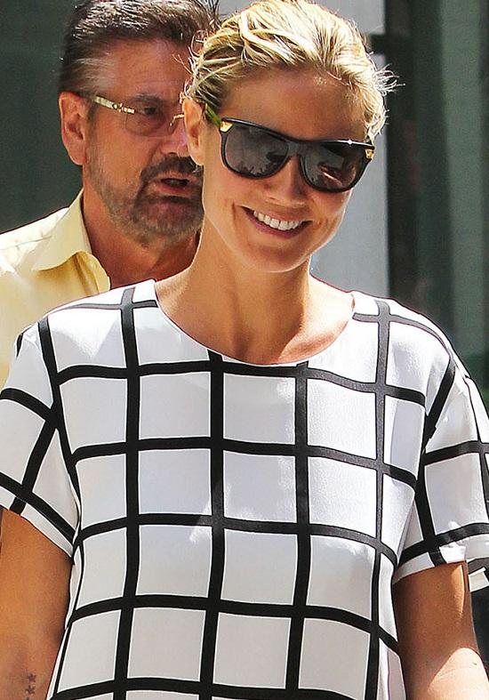 Heidi Klum w zestawie w kratkę (FOTO)