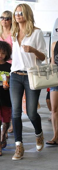 Moda w stylu gwiazd: Klum, Ciara i Swift noszą biel
