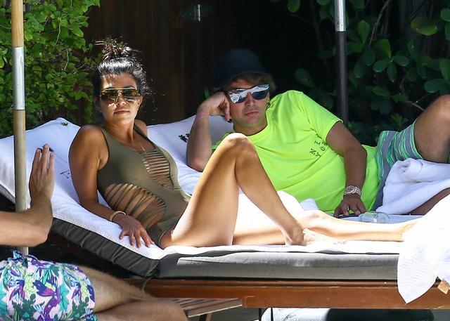 Oto dowód, że Kourtney Kardashian nie eksperymentuje z medycyną estetyczną