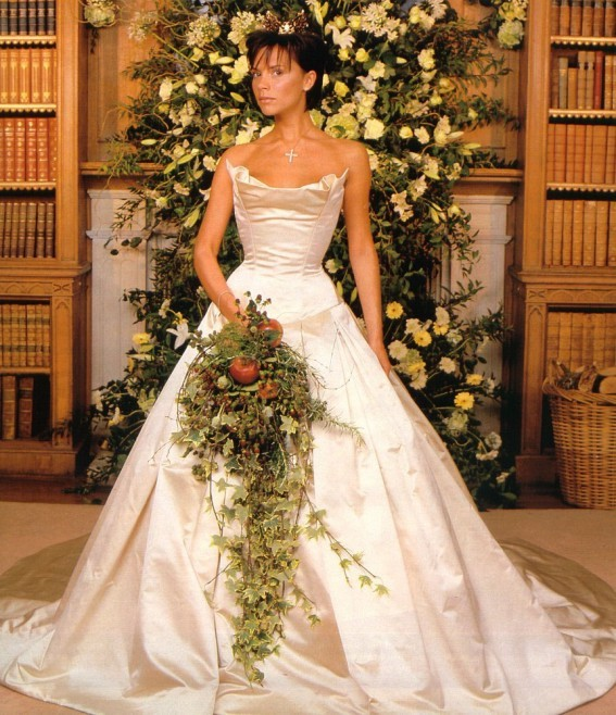 Victoria Beckham wspomina ślub! (FOTO)