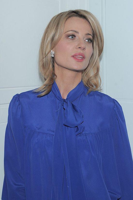 Dwie blondynki w kobaltowych stylizacjach (FOTO)