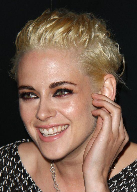 Myślałyście, że z fryzurą Kristen Stewart nie może byc już gorzej? Błąd...