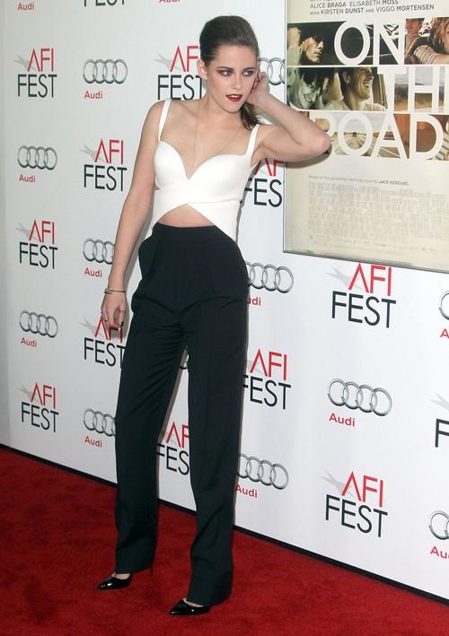 Kristen Stewart w zestawie od Balenciagi (FOTO)