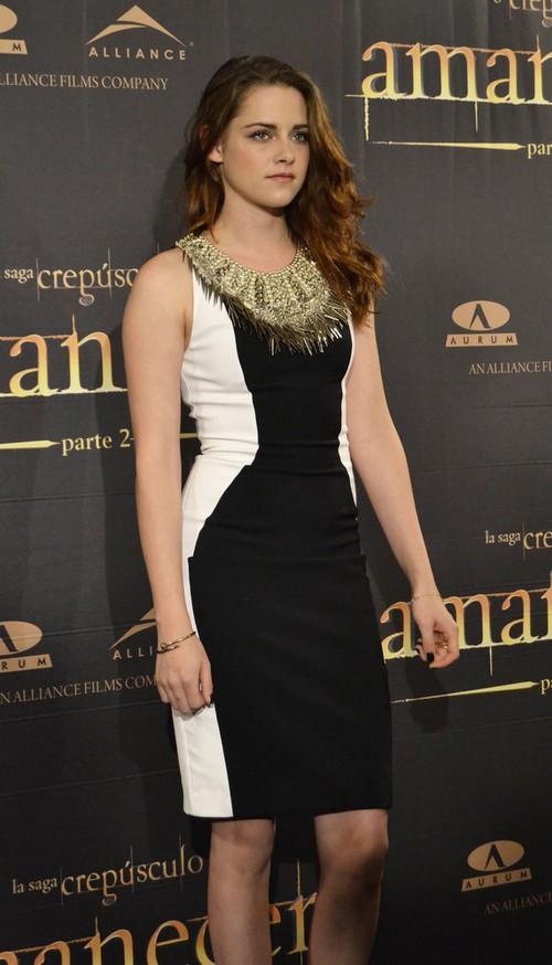 Kristen Stewart w sukience Julien Macdonald (FOTO)