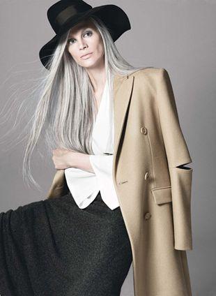 Naturalnie siwe włosy są OK!