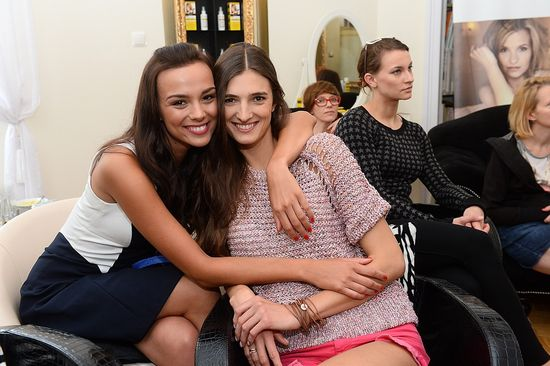 Krupińska i Szczawińska w dziewczęcych stylizacjach (FOTO)