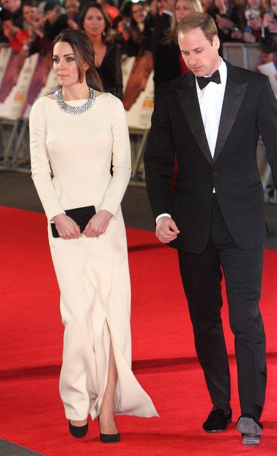 Księżna Catherine w sukni Roland Mouret (FOTO)