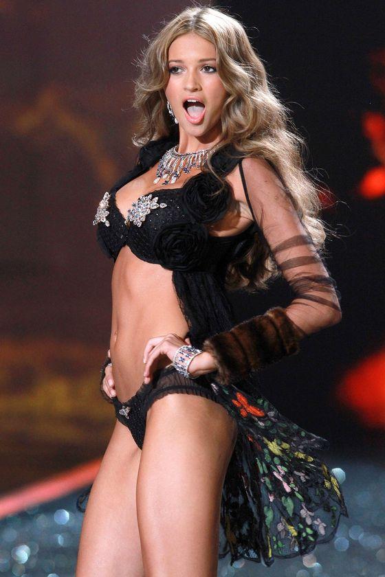 Gorzka prawda o pokazach Victoria's Secret z seksem w tle!