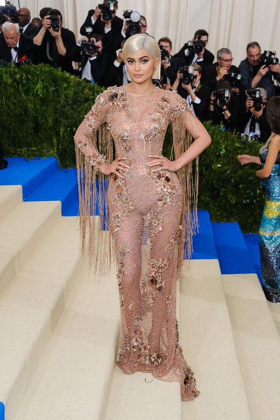 Kylie Jenner może wszystko? Złamała najważniejsza zasadę Gali MET 2017!