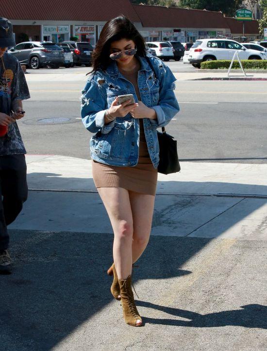 WOW... Kylie Jenner ma 18-lat i... TAKI cellulit