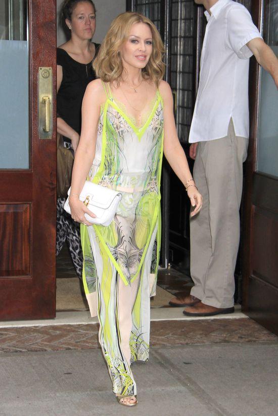 Kylie Minogue w letniej tunice