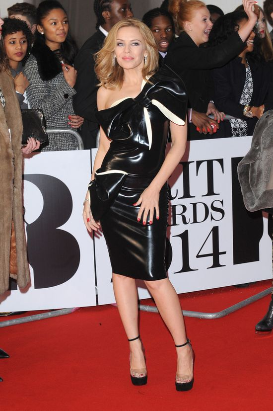 Kreacje sław na gali BRIT Awards 2014 (FOTO)