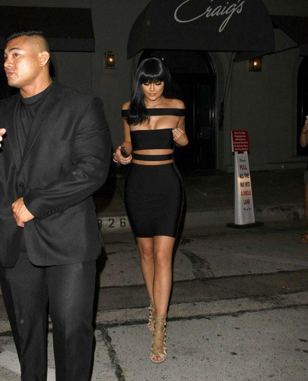 Kylie Jenner - nowa peruka, nowe kolczyki (FOTO)