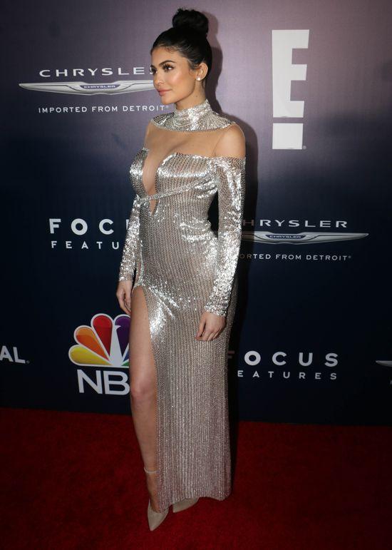 A więc to dlatego Kylie Jenner nie pokazuje swojego ciążowego brzuszka!