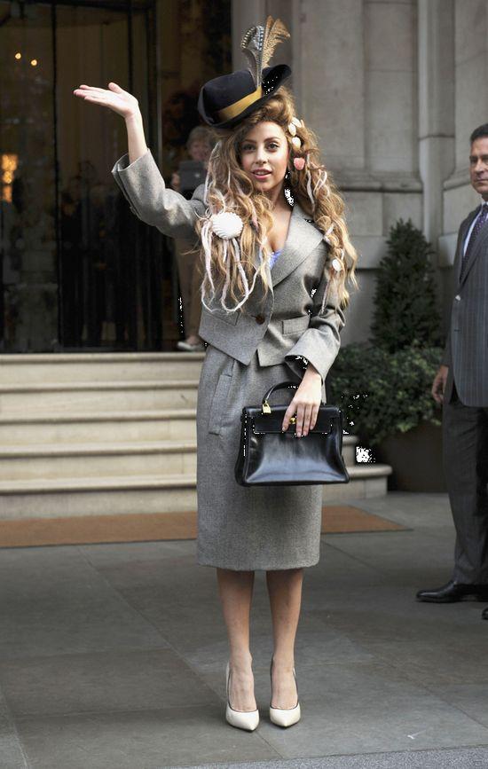 Lady Gaga na okładce Elle (FOTO)