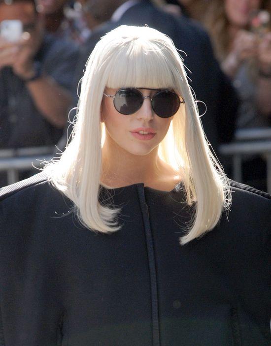 Lady Gaga w nowej masce (FOTO)