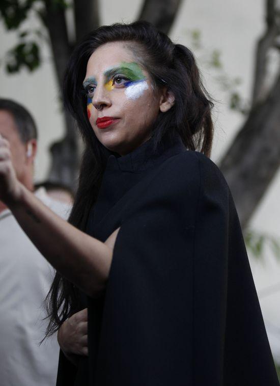 Kontrowersyjny makijaż Lady Gagi (FOTO)