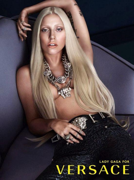 Tak wyglądała Lady Gaga przed retuszem w kampanii Versace