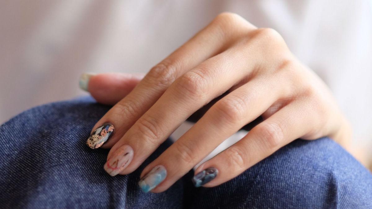 Paznokcie winylowe - metoda, która zrewolucjonizuje sposób stylizacji paznokci?